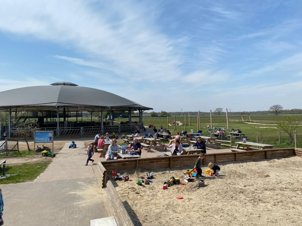 Lunchroom en terras